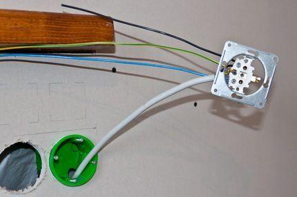 f07b11a087e Kuidas ühendada kahekordne pistikupesa: topeltväljundi paigaldamine ...