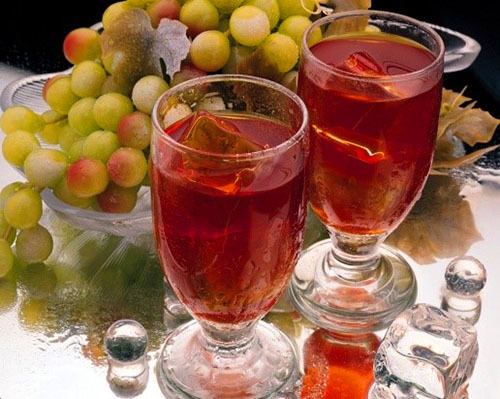 The best recipes for a delicious grape wine at home